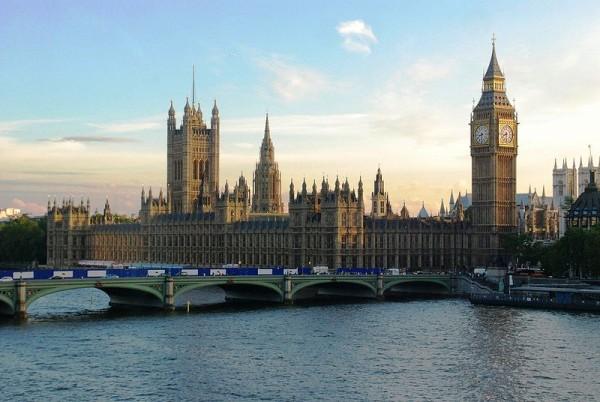 Pałac Westminsterski -- źródło niepokojących statystyk