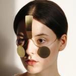 Oszukiwanie automatycznych systemów rozpoznających twarze.