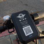 Zhackował hulajnogę Birda – tryb z darmowymi przejazdami i możliwość modowania firmware