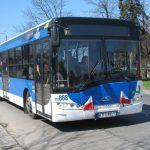 """Kraków: """"fałszywi kontrolerzy w autobusach próbują wykradać pieniądze z kart zbliżeniowych"""". Nasz komentarz"""